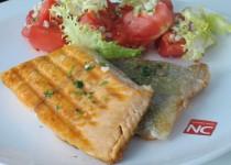 Trucha a la Plancha con Ensalada Tomate