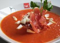Sopa de Tomate con Jamón y Huevo